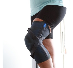 Osteoarthritis Action Reliever Knee Brace